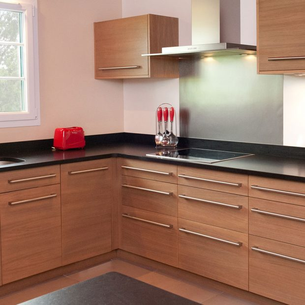 pago 64 cuisines et meubles pays basque. Black Bedroom Furniture Sets. Home Design Ideas
